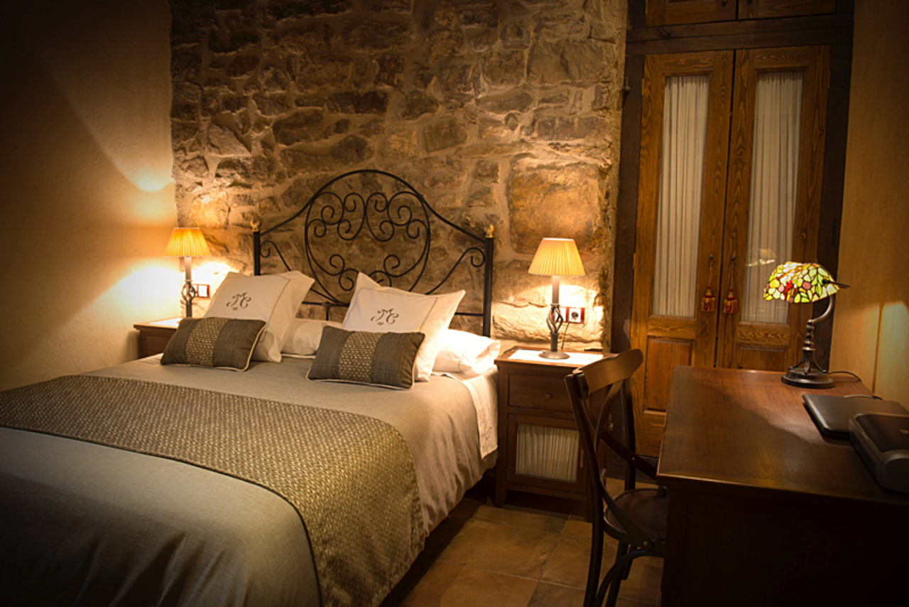 Luxury apartments in a country lodge at Ribes de Freser